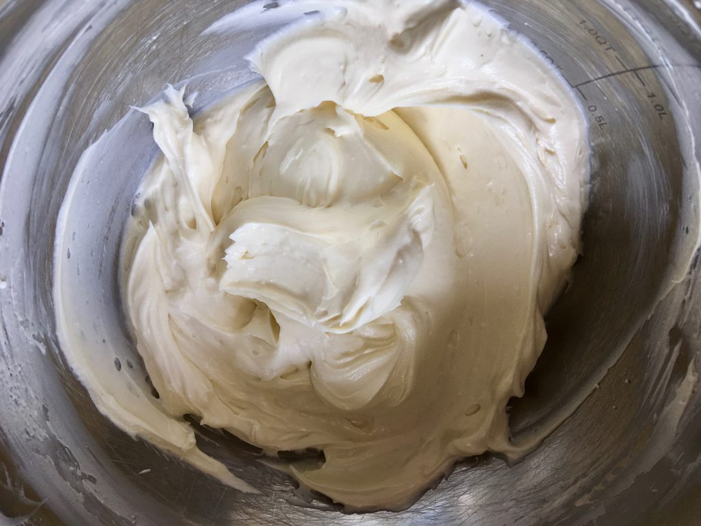 gluten-free-cream-cheese-frosting-lightly-sweet