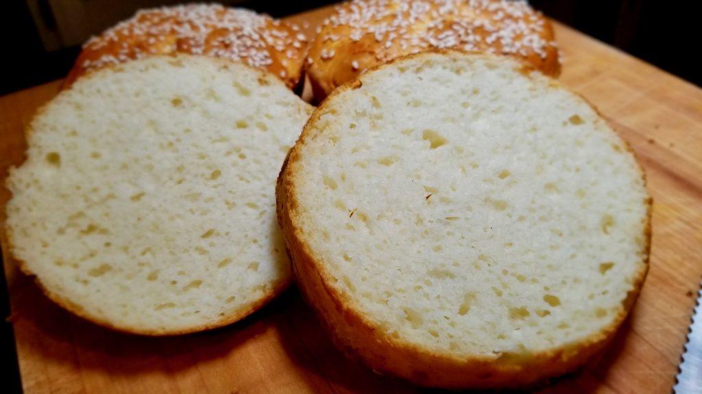 gluten-free-burger-buns-squeeze-me
