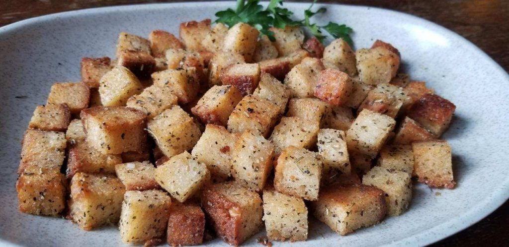 make-your-own-gluten-free-croutons