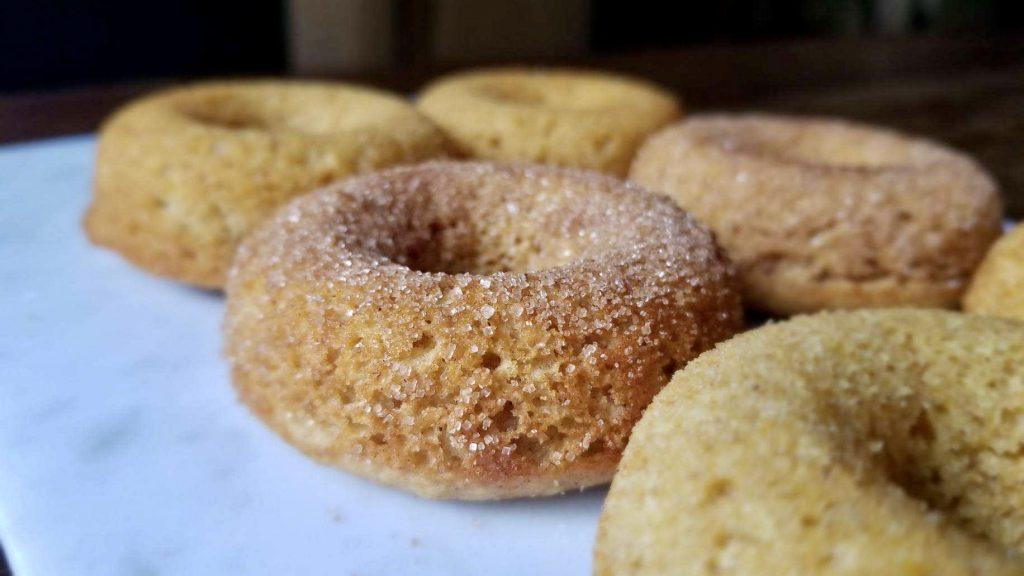 gluten-free-baked-pumpkin-doughnuts